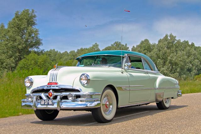 Pontiac Chieftain 2-door Sedan 1952 (4087)