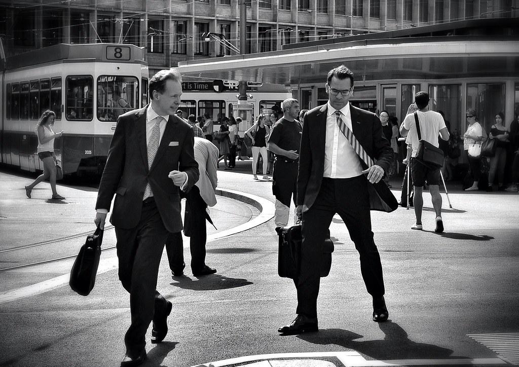 homme d'affaires dans la rue