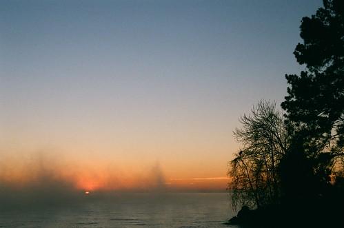 christmas morning film analog sunrise 35mm lens texas tx 200iso fujifilm canoneos ef f35 lakelivingston 2870mm rebelt2 canoneosrebelt2 pointblanktx pointblanktexas