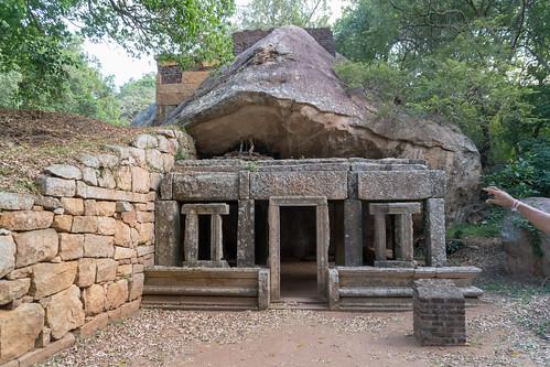 Kaludiya Pokuna | by seghal1