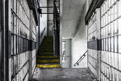sugarland texas tx htx houstontexas htown houston houstontx hou jail inmate prison unit bars cell stairs gritty decay urbanexploration urbandecay raulcano photography landscape canon 80d