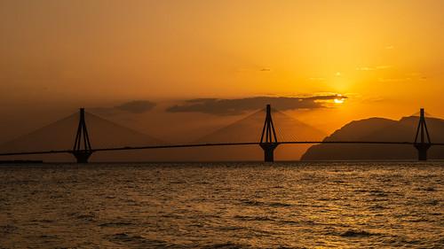 patra griechenland gr therio–antirriobridge γέφυραρίουαντιρρίου brücke charilaostrikoupisbrücke greece ellada sunset througherlens