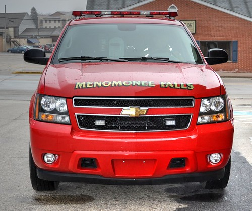 Menomonee Falls Wisconsin, 12-18-2014, Chevrolet Suburban Command Unit 2786, 24 degrees outside (1) Photo