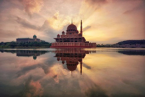 morning sunset wallpaper vacation sky sun holiday nature sunrise reflections landscape nikon asia background awesome islam wideangle mosque malaysia putrajaya filters putramosque singhray leefilter nikon1635mmf4vr nikond750