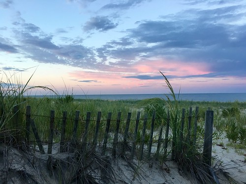 middlesex delaware beaches oceans sunsets clouds fences fencefriday hff iphone cmwd 50favs