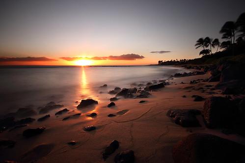 ocean longexposure sunset usa beach nature canon landscape island hawaii rocks pacific unitedstatesofamerica wideangle sunray hawai t3i 600d kiahunabeach gsamie guillaumesamie