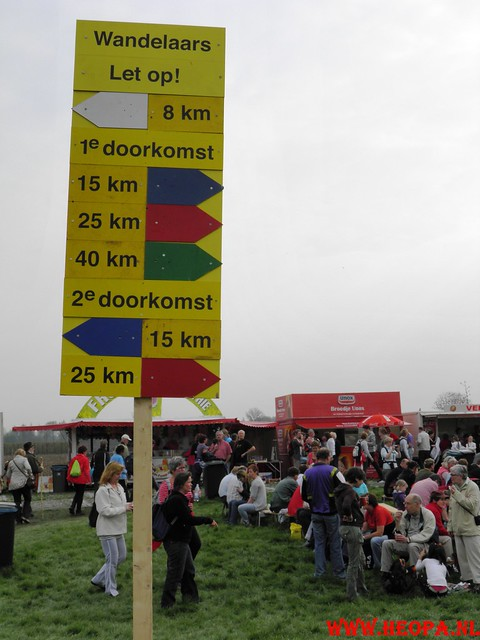 16-04-2011     Rode-Kruis   Bloesem   wandeltocht 26 Km (42)