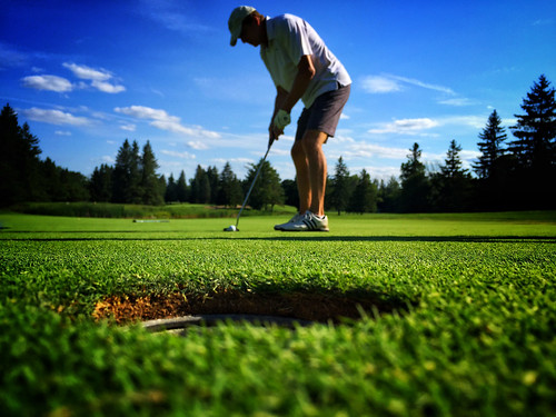 green golf outdoors dof july québec golfing gatineau putting putt 2016 shortgame iphone6