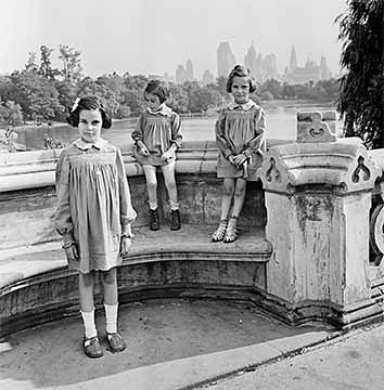Photograph [2016.6.13]: [Sisters Marion, Renate, and Karen Gumprecht, refugees assisted by the National Refugee Service (NRS) and Hebrew Immigrant Aid Society (HIAS), shortly after their arrival in the United States, Central Park, New York] 1941, Vishniac