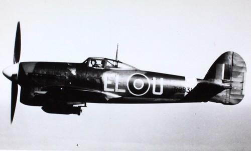 15_002605 Hawker Typhoon R9831, EL-U