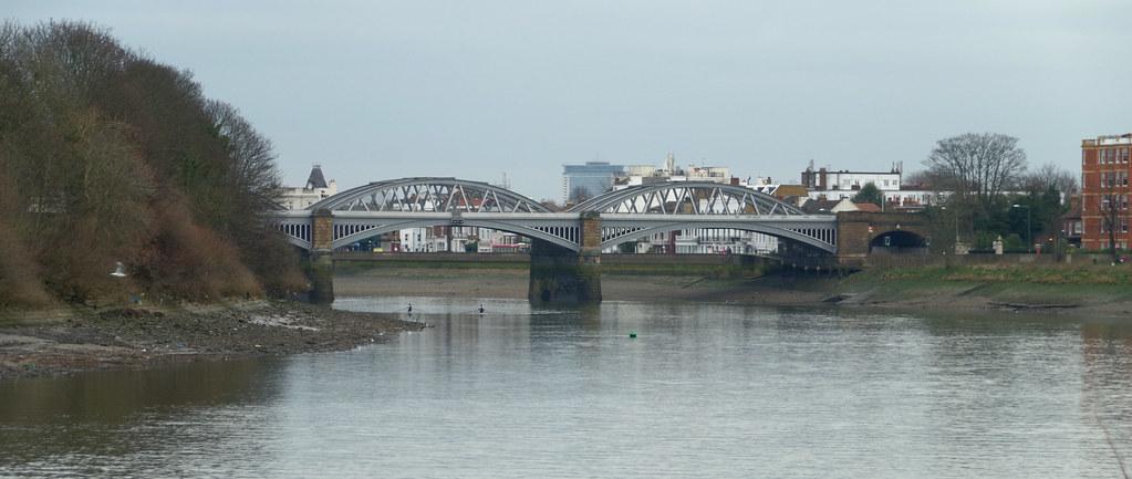 IMGP2856 | The Barnes Railway Bridge, seen from Mortlake ...