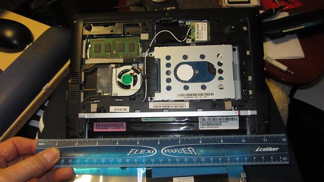 IMG_9308 acer aspire one ruler measurement