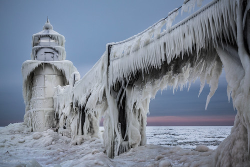 winter usa lighthouse snow cold ice mi landscape frozen scary gloomy unitedstates michigan ominous freezing stjoseph m lakemichigan adventure icicle iceberg polar icy stark icicles lakefront saintjoseph icey adventurous tiscornia saintjosephriver tiscorniapark hanusiak polarvortex