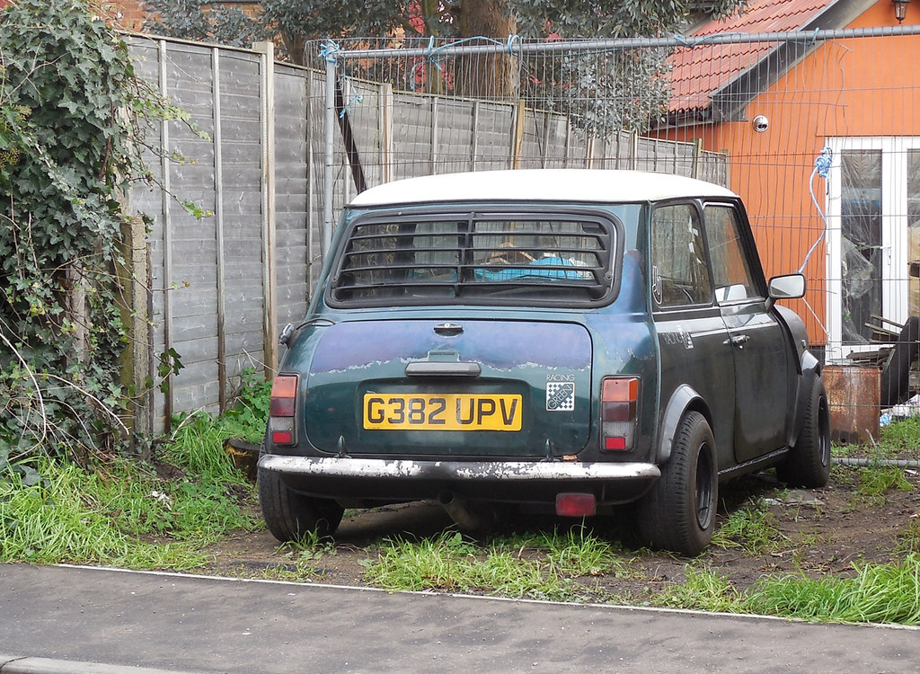 1989 Austin Mini Racing Green Looks Like The Battery Was O Flickr