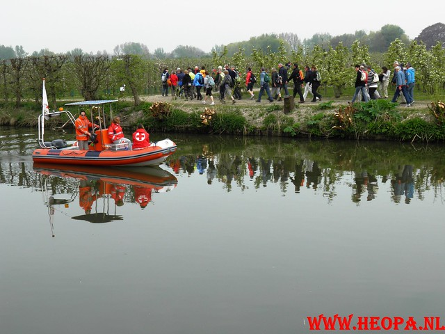 16-04-2011     Rode-Kruis   Bloesem   wandeltocht 26 Km (18)