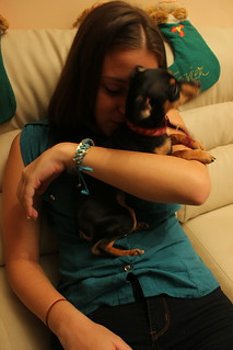 "Mi cuñada Irene junto a la perrita ""chiquita"" :) \ My sister in law Irene beside the doggy ""chiquita"""