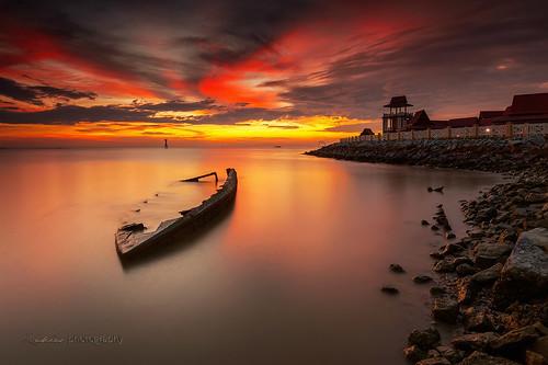 sunset red boat malaysia melaka timeless merlimau zakiesphotography mohdzakishamsudin zakiesphoto zakiesimage