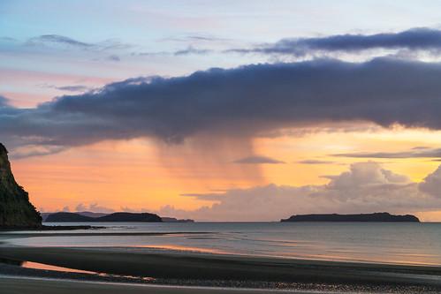 auckland beach haurakigulf wendelholm wenderholmregionalpark calm colourful sunrise