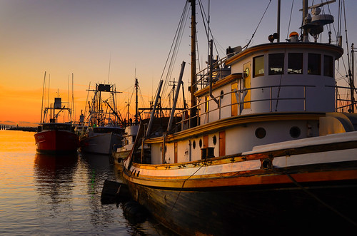 sunset canada boats fishing pacific britishcolumbia bluesky colourful steveston