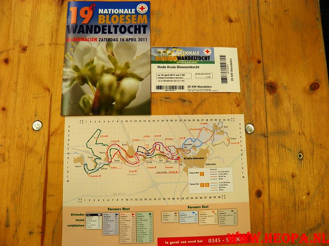16-04-2011     Rode-Kruis   Bloesem   wandeltocht 26 Km (9)