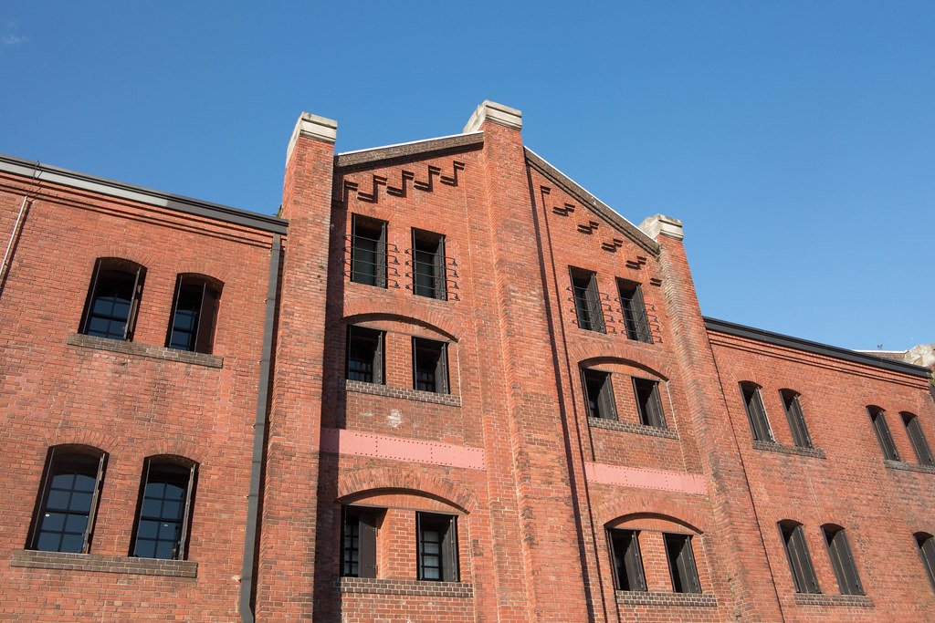 横浜赤レンガ倉庫 (Yokohama Red Brick Warehouse)
