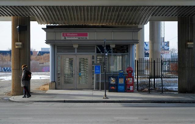 Western-Cermak Pink Line Station