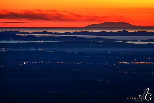 sunset red sea italy mountain islands twilight view dusk horizon croatia monte distance adriatic dalmatia maiella amaro apennines velebit dinaricalps paklenicanationalpark apennini dinaridi ravnikotari paklenicanp