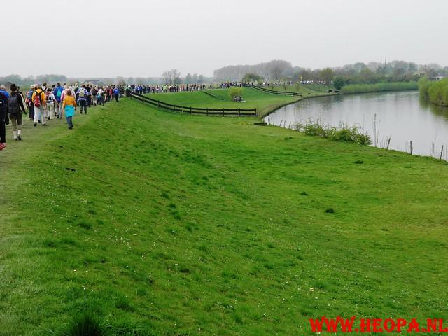 16-04-2011     Rode-Kruis   Bloesem   wandeltocht 26 Km (47)
