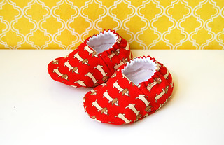 Baby booties with wiener dogs in red - size 0-6 months | by Jennifer Ladd handmade