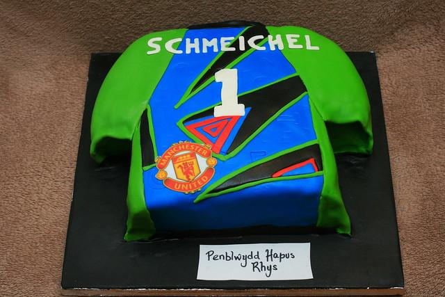 Manchester United shirt cake