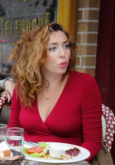 Brasserie Al Fresco Red