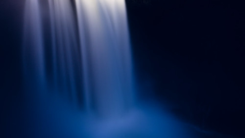 longexposure snoqualmiefalls nature water contrast pacificnorthwest canoneos5dmarkiii waterfall motion smooth canonef2470mmf28lusm washington