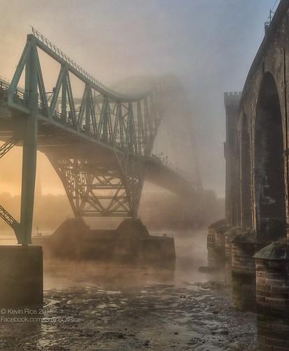 bridge mist fog hdr mersey iphone runcorn rivermersey runcornbridge pseudohdr iphonography snapseed