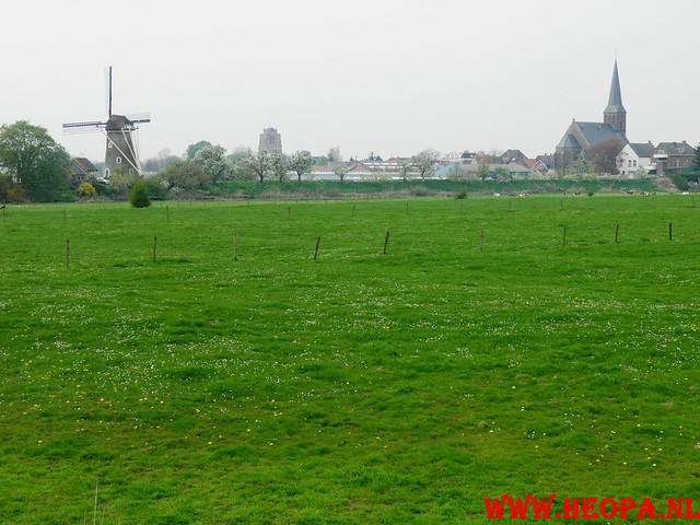 16-04-2011     Rode-Kruis   Bloesem   wandeltocht 26 Km (97)