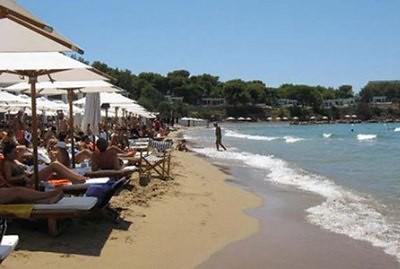 Playa de Vouliagmeni en Grecia