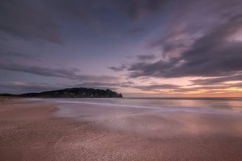 longexposure newzealand seascape clouds sunrise sand waves wideangle coromandel eastcoast hahei hotwaterbeach leefilters nikond800 lee06gndsoft nikkor160350mmf40 solmetageotaggerpro2