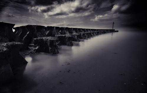landscape seascape water landscapephotography suffolk felixstowe cobboldspoint blackandwhite longexposure england eastanglia nikon simontalbothurnphotography