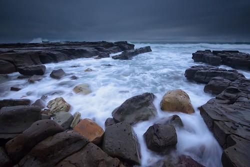 aus australia merewether newsouthwales nikond750 nikon1635mmf4 seascape shore rocks cloudy burwoodbeach