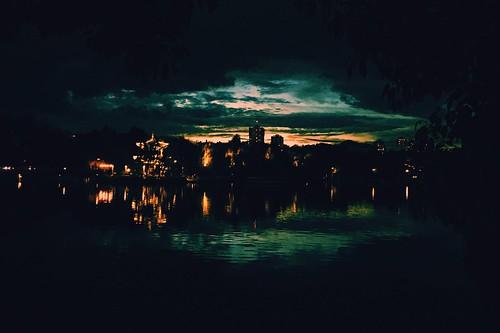 iphone6s landscape evening twlight sunset china yunnan lake shore water reflection park