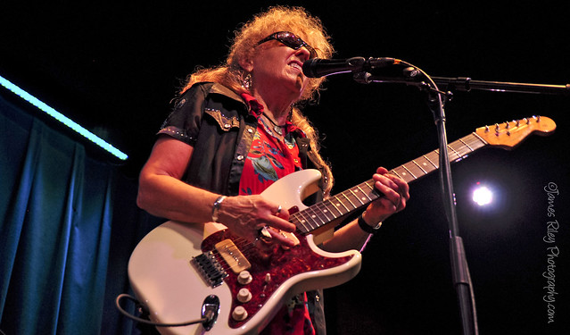 DEBBIE DAVIES at the Towne Crier Cafe, AUGUST 2, 2014. Credit: JG Riley for Towne Crier