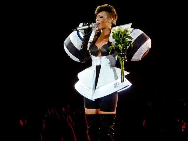 Rihanna - Last Girl on Earth Tour - Halle Tony-Garnier, Lyon (2010)