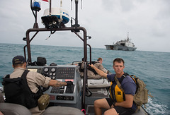 USS Fort Worth (LCS 3) and Mobile Diving and Salvage Unit 1 Sailors prepare to launch a Tow Fish side scan sonar system from the ship's 11-meter rigid hull inflatable boat, Jan. 4 in the Java Sea. (U.S. Navy/MC2 Antonio P. Turretto Ramos)