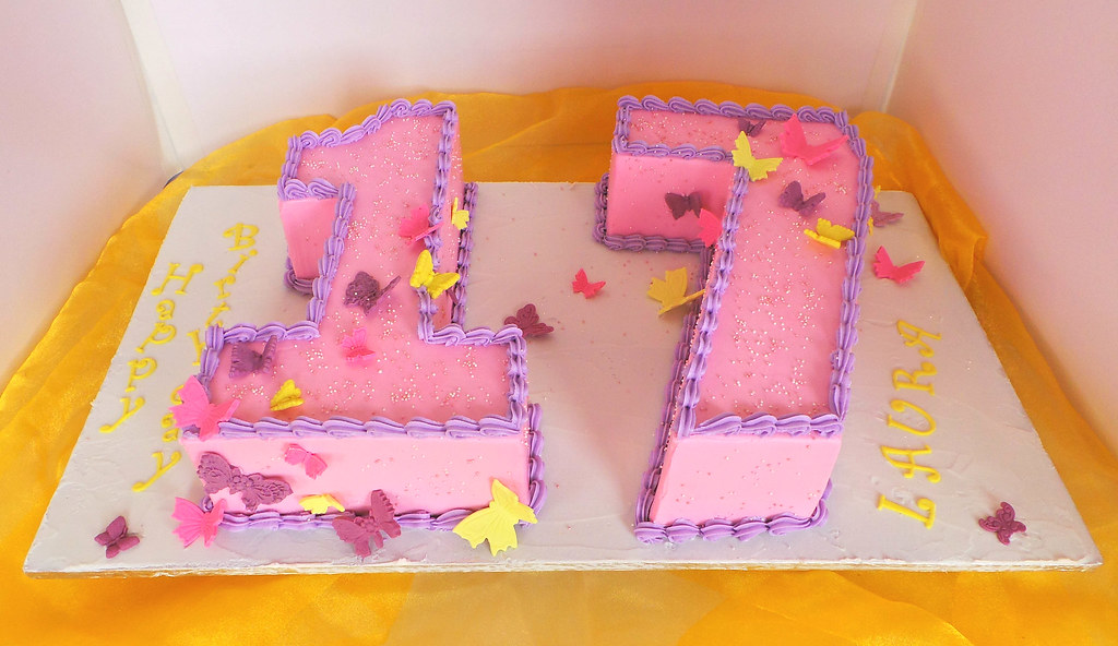 Brilliant Number 17 Butterfly Themed Birthday Cake Willi Probst Bakery Funny Birthday Cards Online Alyptdamsfinfo