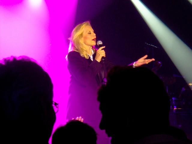 Sylvie Vartan - Olympia, Paris & Aire de Loisirs, Santenay (2009)