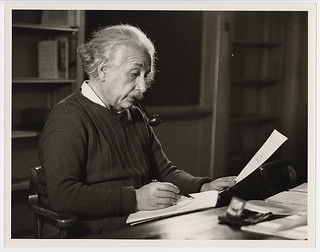 Photograph [2016-6-10]: [Albert Einstein in his office, Princeton University, New Jersey], 1942, Roman Vishniac