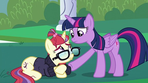 Twilight_consoling_Moon_Dancer_S5E12 | by DReager100