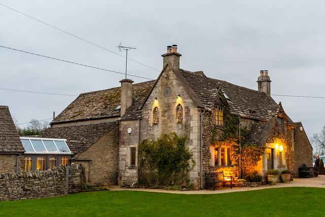 Ragged Cot Inn