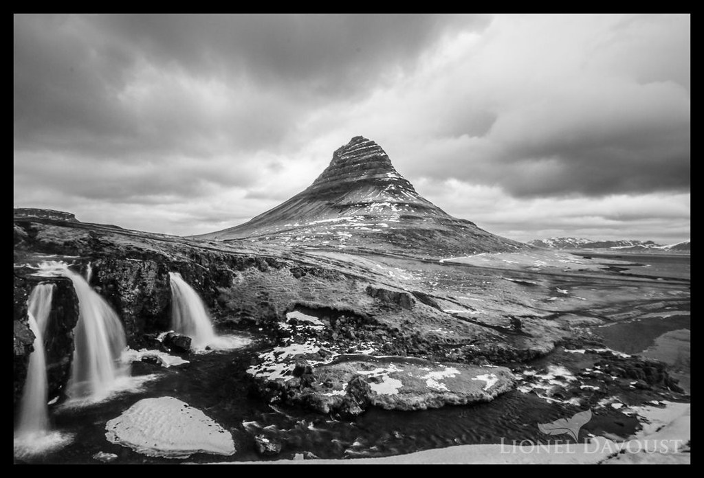 Kirkjufell under clouds