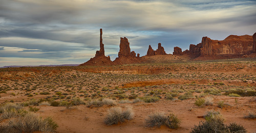 arizona desert totempole monumentvalley stormclouds southwesternutah navajonation navajosandstones