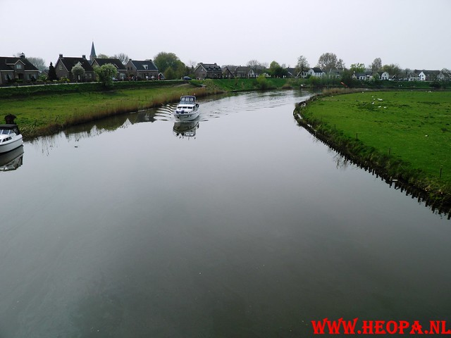 16-04-2011     Rode-Kruis   Bloesem   wandeltocht 26 Km (82)